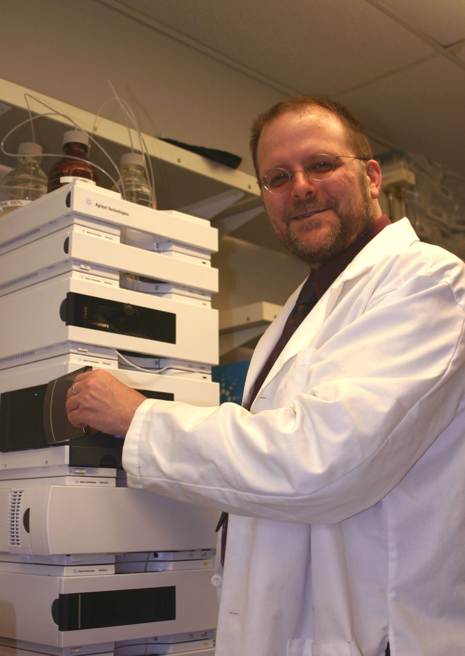 University of Utah bioengineer Patrick  Kiser has discovered a new class of compounds that stick to the AIDS virus' sugary coating to prevent it from infecting cells. The new substances may provide a way to prevent sexual transmission of the virus.