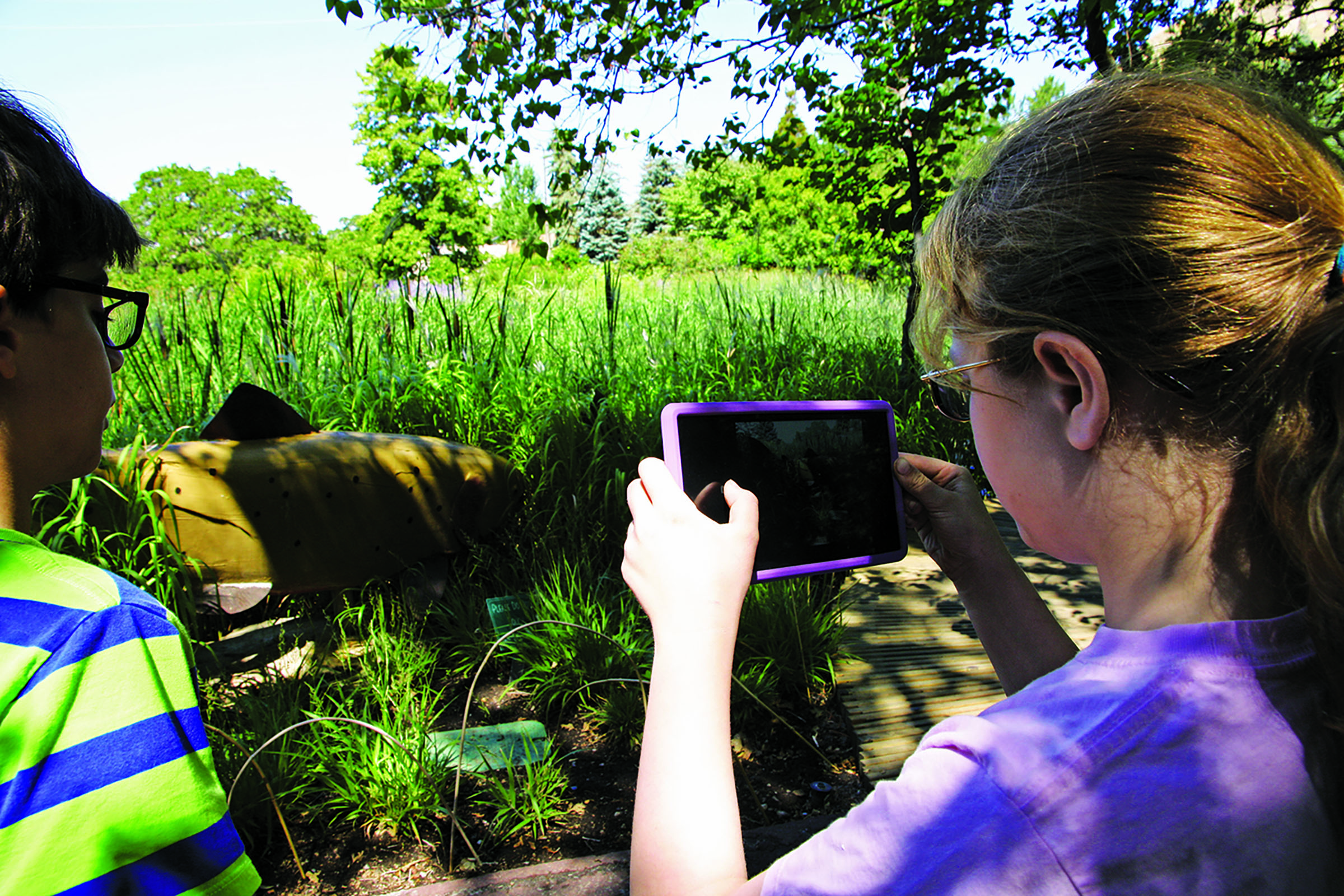 Using GPS-enabled smart phones and MIT's TaleBlazer software, the Garden has created five free-choice games that allow players to embark on science adventures