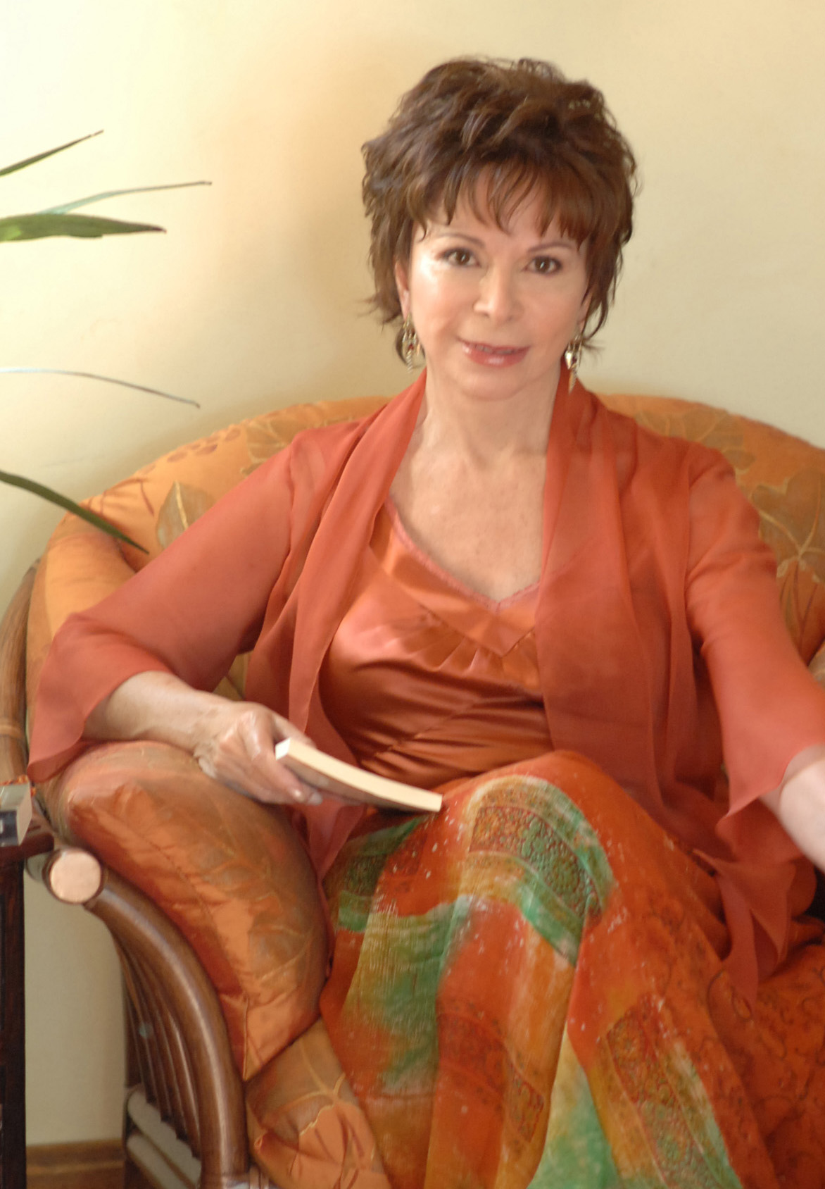 Novelist Isabel Allende will present the 2009 Tanner Lecture on Human Values on Dec. 2 at 7 p.m. in the Olpin Union Ballroom.