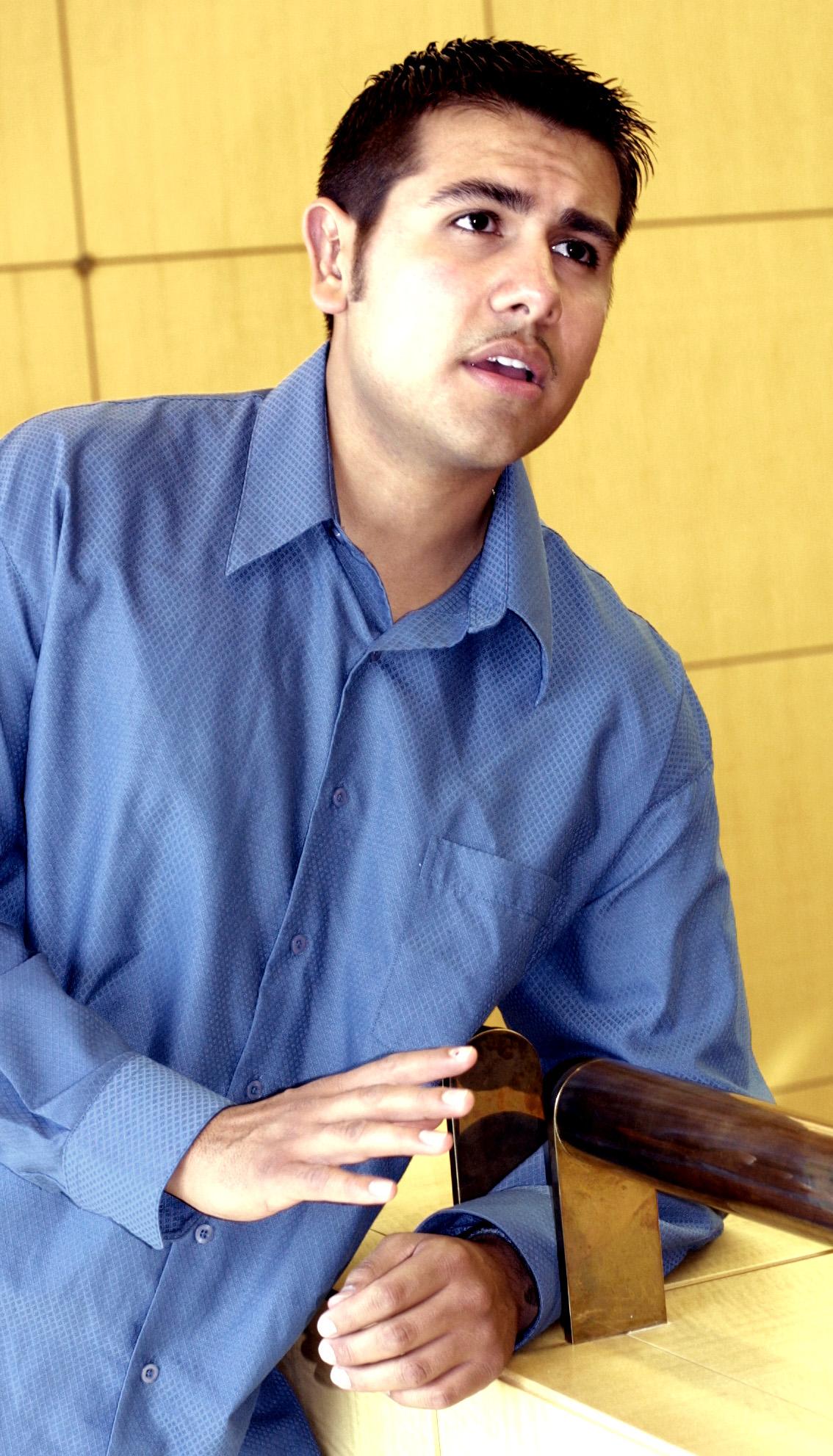 U Student, Javier Ch?vez