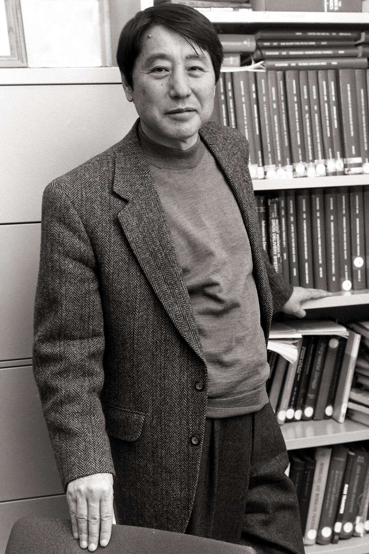 Sung Wan Kim, Distinguished Professor of Pharmaceutics and Pharmaceutical Chemistry and Distinguished Professor of Bioengineering at the University of Utah.
